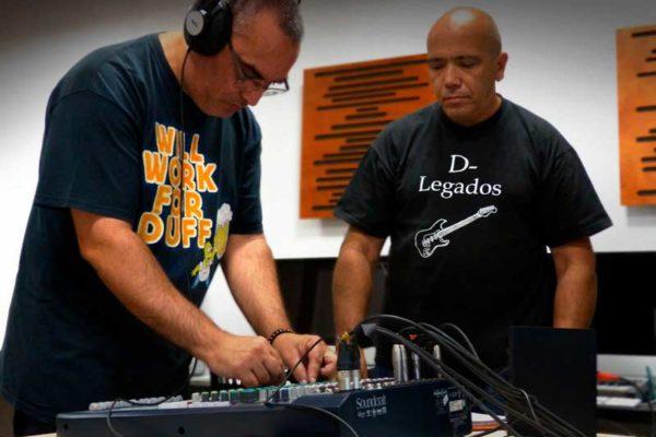 Práctica con el equipo de sonido en clase_7